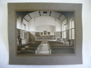 A photograph of the John Bright Library from the 1919 prospectus