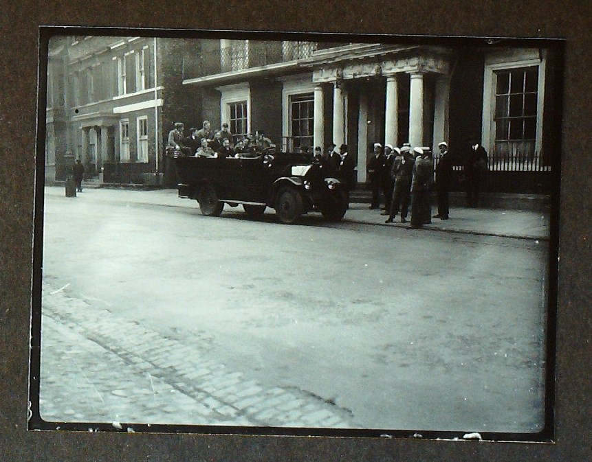 Photograph of the cricket team setting out to Ackworth, 1924.