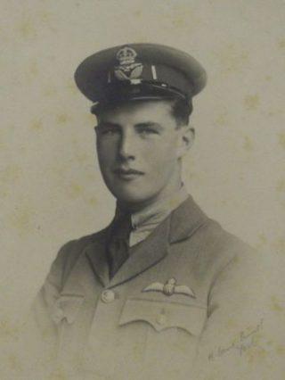 Photograph of Robert Ian Alexander Hickes in uniform.