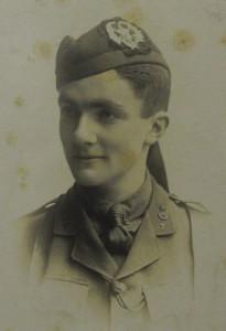 Photograph of Gilbert Porteous in uniform.
