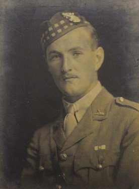 Photograph of Donald Gordon Clark in uniform.